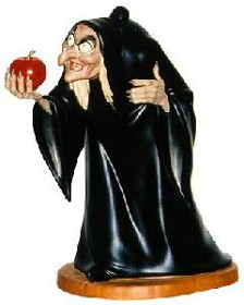 WDCC Disney Classics_Snow White Hag Take The Apple, Dearie