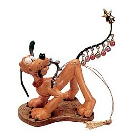 WDCC Disney Classics_Plutos Christmas Tree Pluto Helps Decorate Ornament