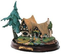 WDCC Disney Classics_Snow White Seven Dwarfs' Cottage