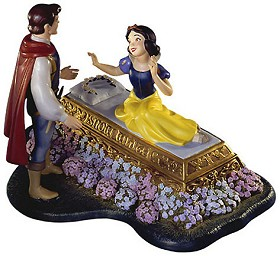 WDCC Disney Classics_Snow White And Prince A Kiss Brings Love Anew