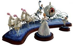 WDCC Disney Classics_Cinderella & Coach Off To The Ball