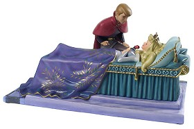 WDCC Disney Classics_Sleeping Beauty Prince Phillip And Princess Aurora Love's First Kiss