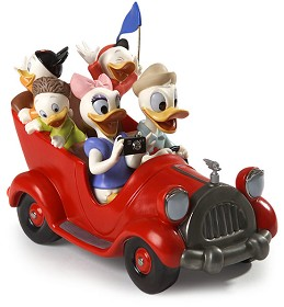 WDCC Disney Classics_Disneyland Park Donald, Daisy And Donald Nephews Family Vacation