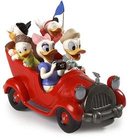 WDCC Disney Classics_Disneyland Park Donald, Daisy And Donald Nephews Family Vacation