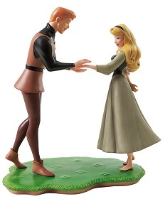WDCC Disney Classics_Sleeping Beauty Prince Phillip And Briar Rose Chance Encounter