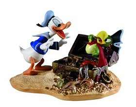 WDCC Disney Classics_Donald Duck Finds Pirate Gold Donald And Yellow Beak Pirate Gold